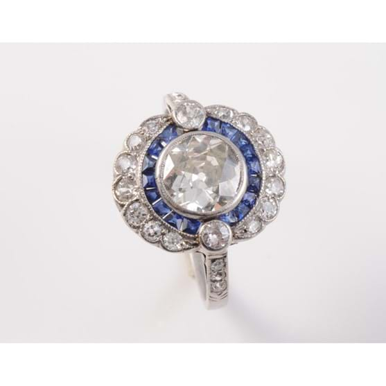 AN ART DECO SAPPHIRE AND DIAMOND RING Image